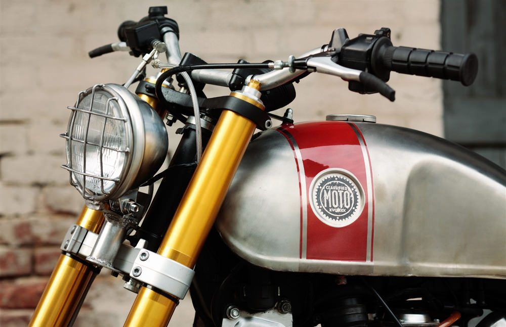 Classified Moto XV920R