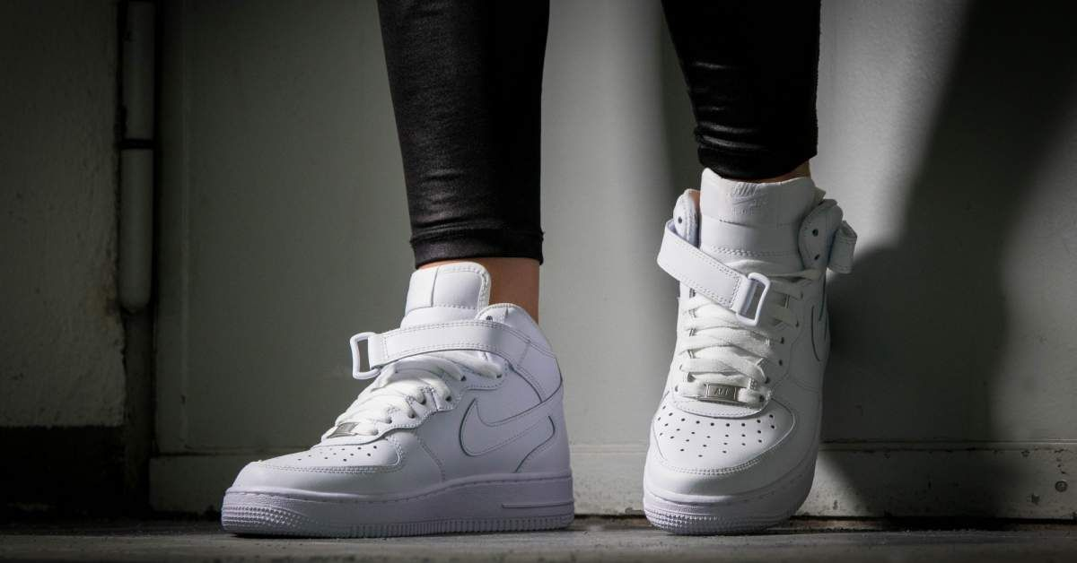 sale retailer 6f5bd 3b29e Nike Air Force 1 Mid | Shoes in 2019 | Shoes sneakers, Shoe ...