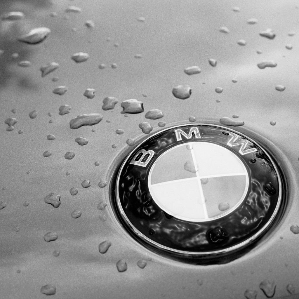 bmw in the rain bmw logo - badge - emblem | bmw motor | pinterest