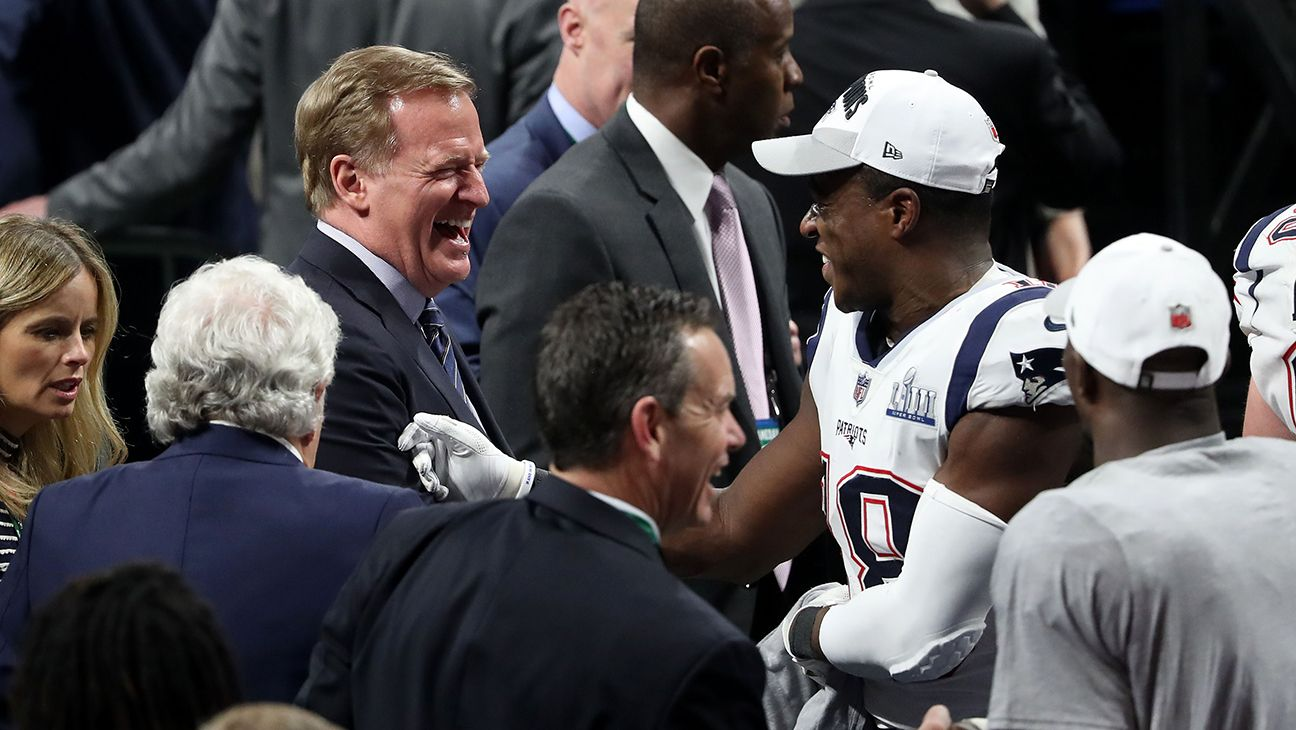 Super Bowl 2019 Roger Goodell Booed During Trophy