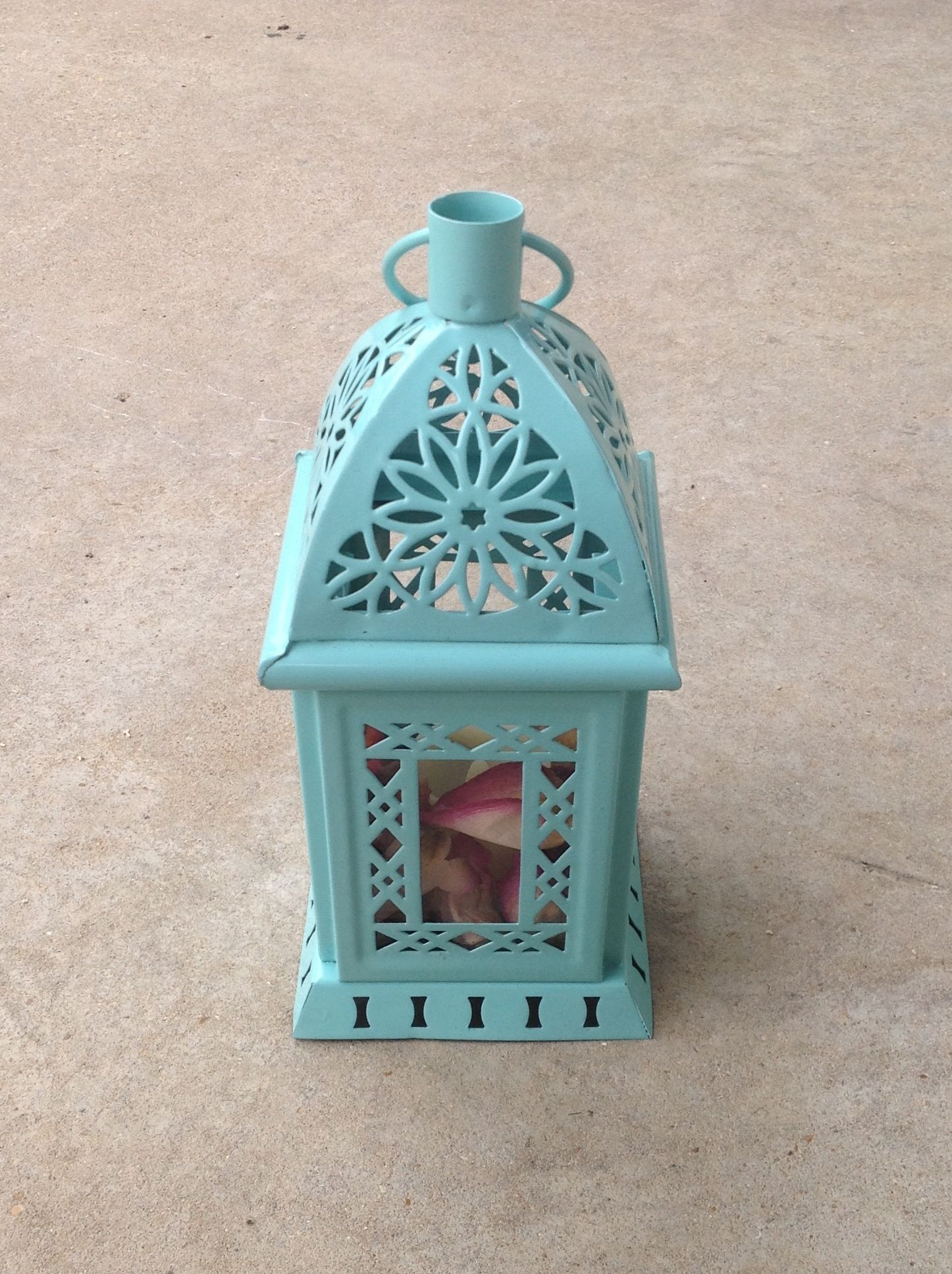 Turquoise lanterns with petals