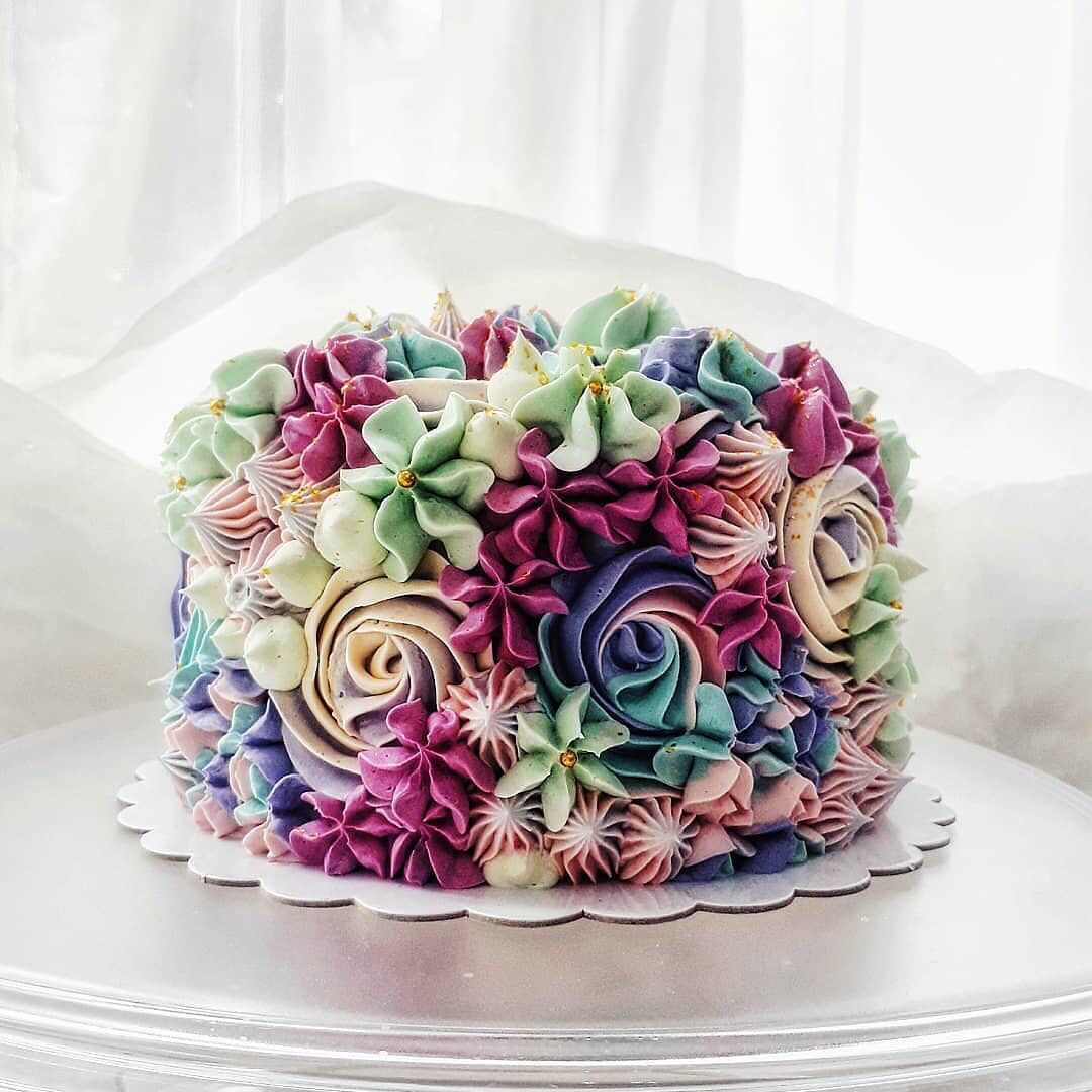 Piped Buttercream Cake Floral Cake Design Beautiful Cake Designs Beautiful Cakes