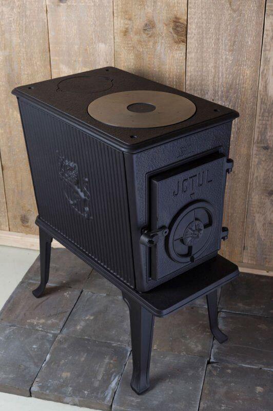 De j tul f 602 houtkachel wereldwijd meer dan exemplaren van verkocht de sfeer van - Small space wood stove model ...