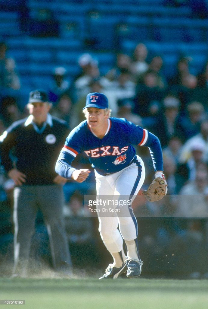 Buddy Bell Of The Texas Rangers In Action Against The Baltimore Texas Rangers Baseball Texas Rangers Baseball Outfit