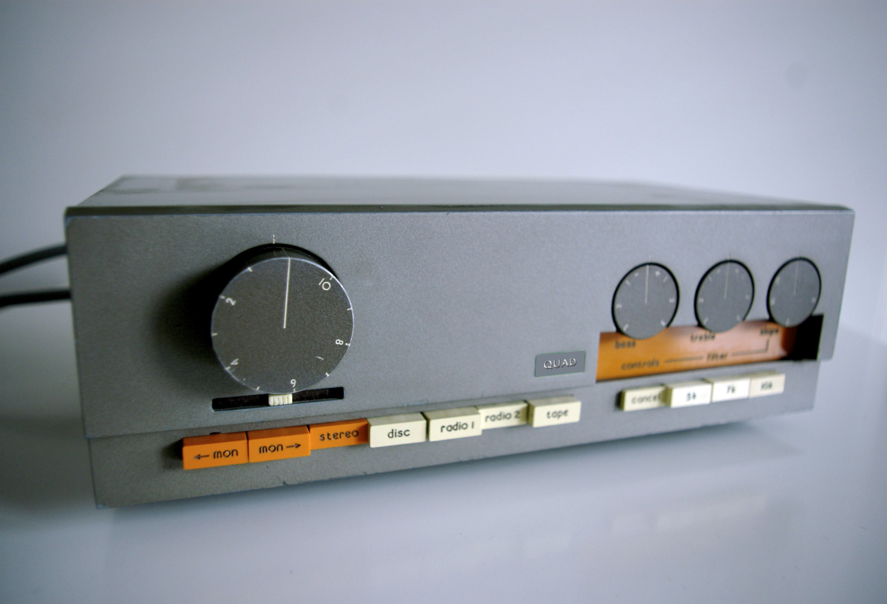 Quad 33 303 Preamplifier And Stereo Power Amplifier