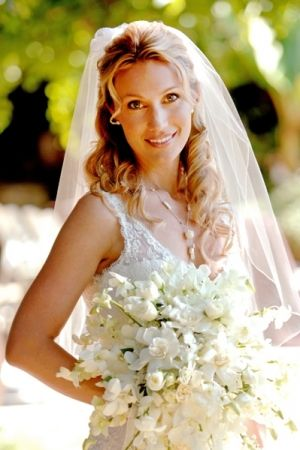 Glam Up Your Bridal Look With Gloves Hairstyles Pinterest