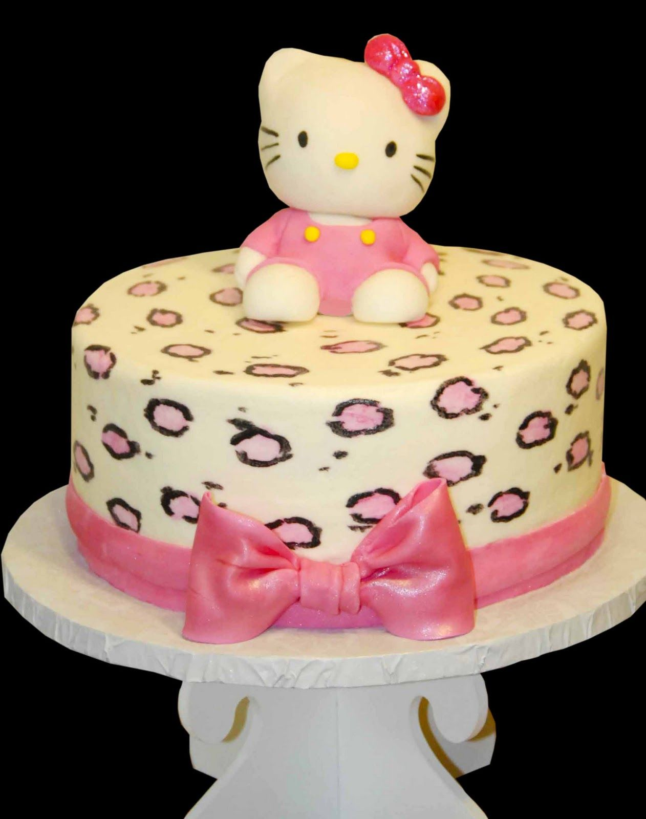 kitty bday party in may hello kitty cupcakes pin katies cakes hot pink ...