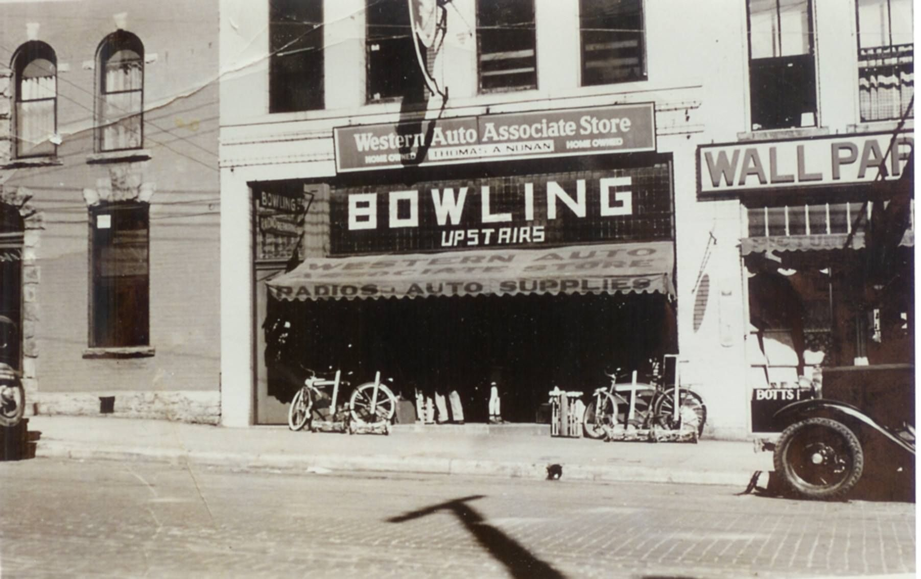 Western Auto Bowling Upstairs Main St Winchester Ky Vintage Storefront Winchester Kentucky