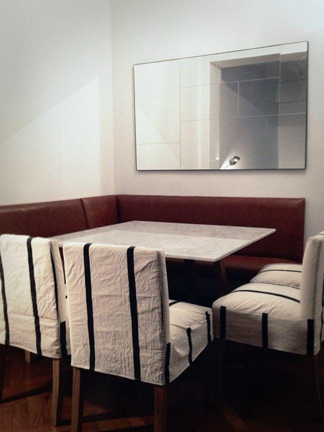 Decoración Comedor: bancos de cuero + mesa de mármol y madera + ...