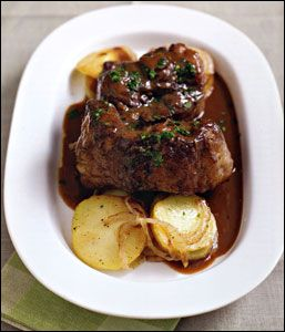 Cozy Food Oxtail With Wine Sauce