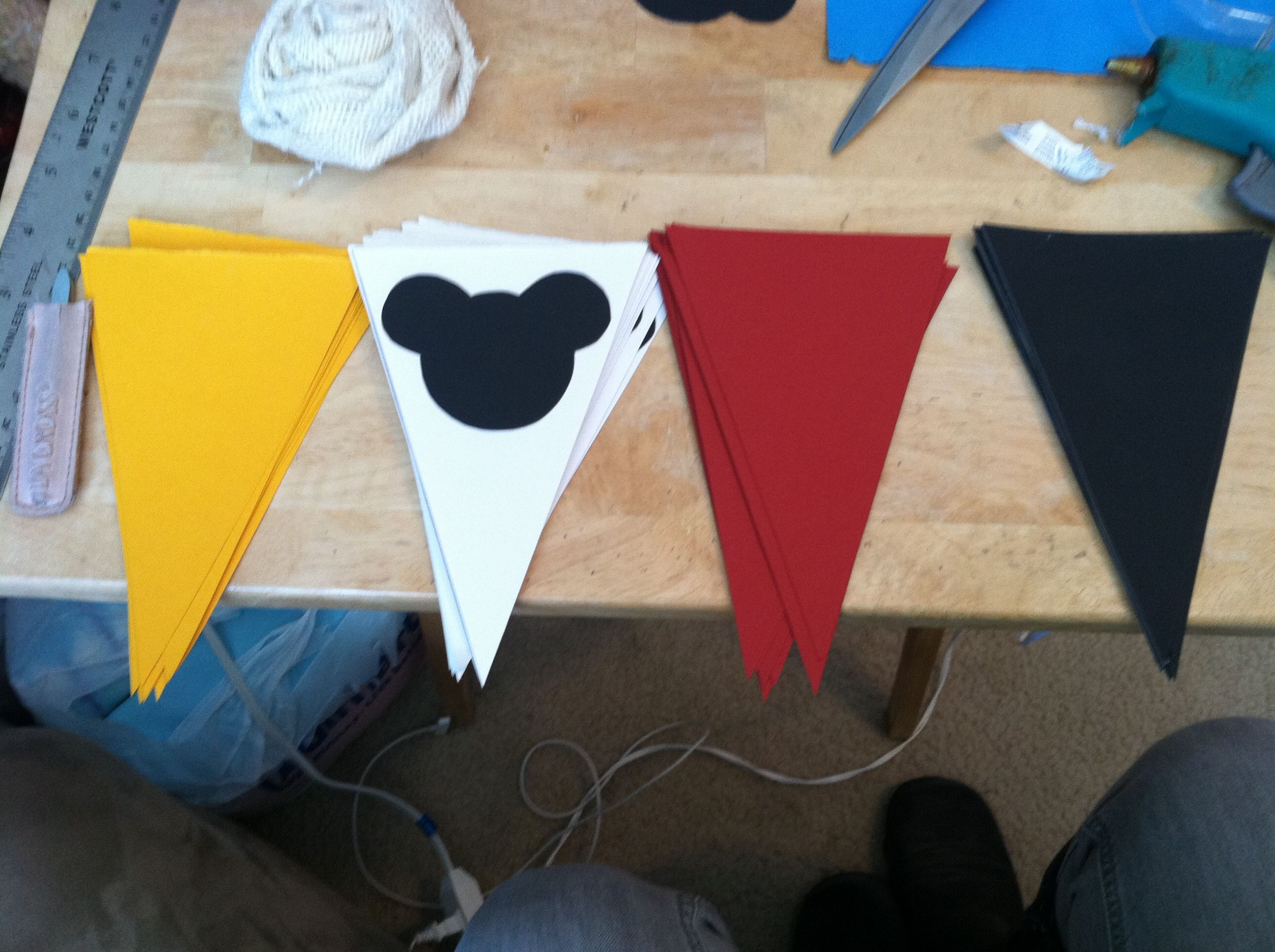 diy Mickey Mouse banner party decorations THINGS I CREATED