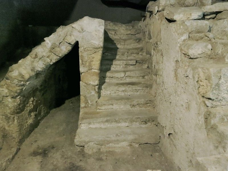 As you wander through the ruins, which were discovered during excavations in the 1960s and 1970s, you'll see parts of the old Medieval Stairway.  Follow the link to see more. http://mikestravelguide.com/things-to-do-in-paris-visit-the-archaeological-crypt-of-notre-dame/