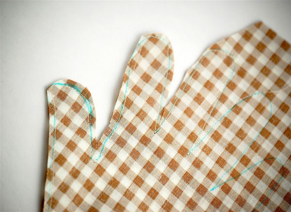 Handprint Turkey Softie and Tutorial #handprintturkey