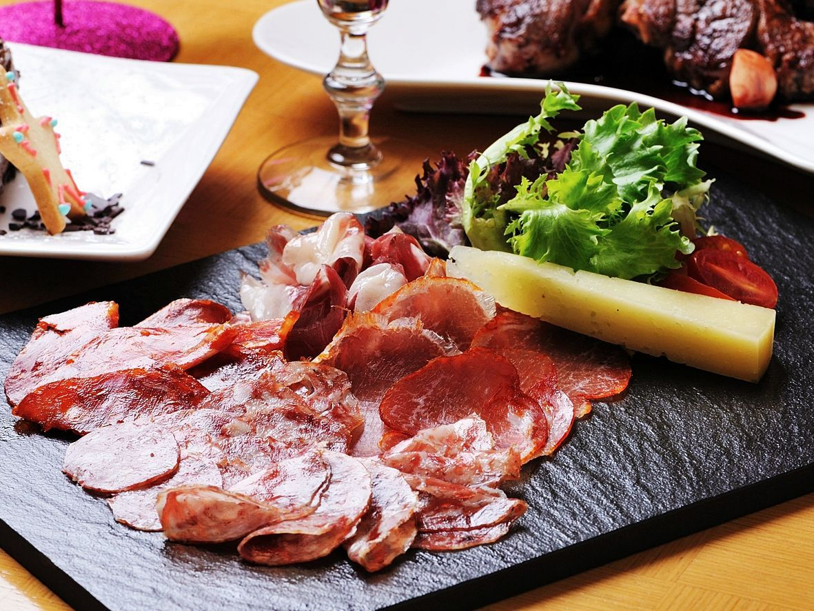 Food Wine Bar Google Pretraga With Images Food Tapas Wine Bar