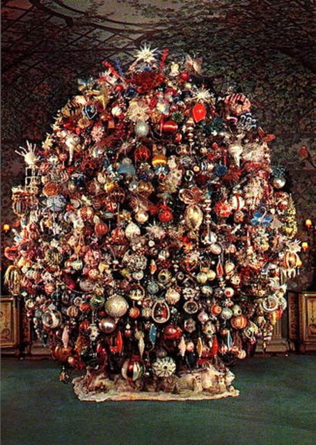 actor harold lloyds year round christmas tree at his greenacres estate in beverly hills - Year Round Christmas Tree