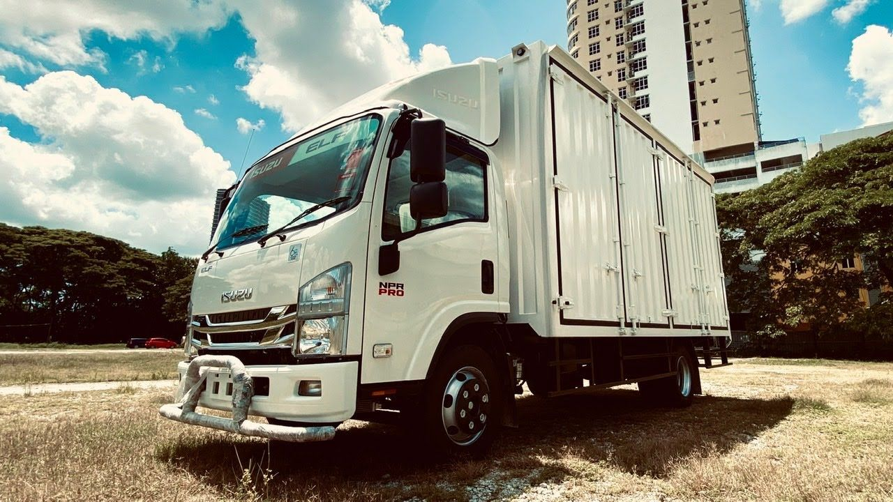 Isuzu Npr Pro Container Box Lorry 17 Feet Malaysia Spec English Subtitles Youtube Lorry Black Aesthetic Wallpaper Malaysia