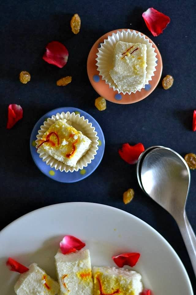 mix and stir bhapa sandesh steamed home made cottage cheese fudge rh pinterest com