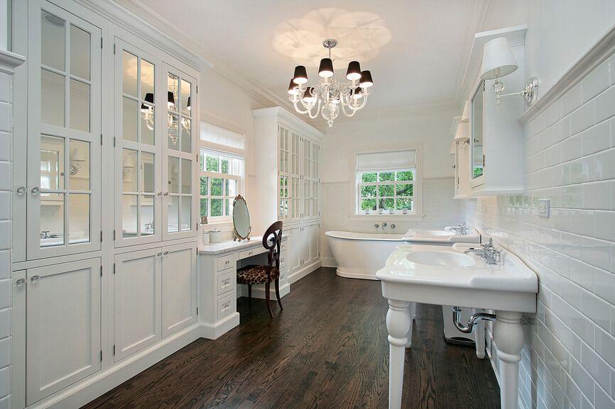 90 Primary Bathrooms With Hardwood Flooring Photos White Master Bathroom White Bathroom Bathroom Design Luxury