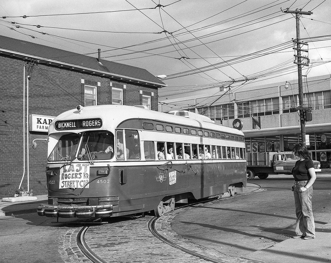 Last Rogers Road Streetcar Ttc Toronto Toronto City Toronto Ontario Canada Old Toronto Toronto tram vehicle city night lights