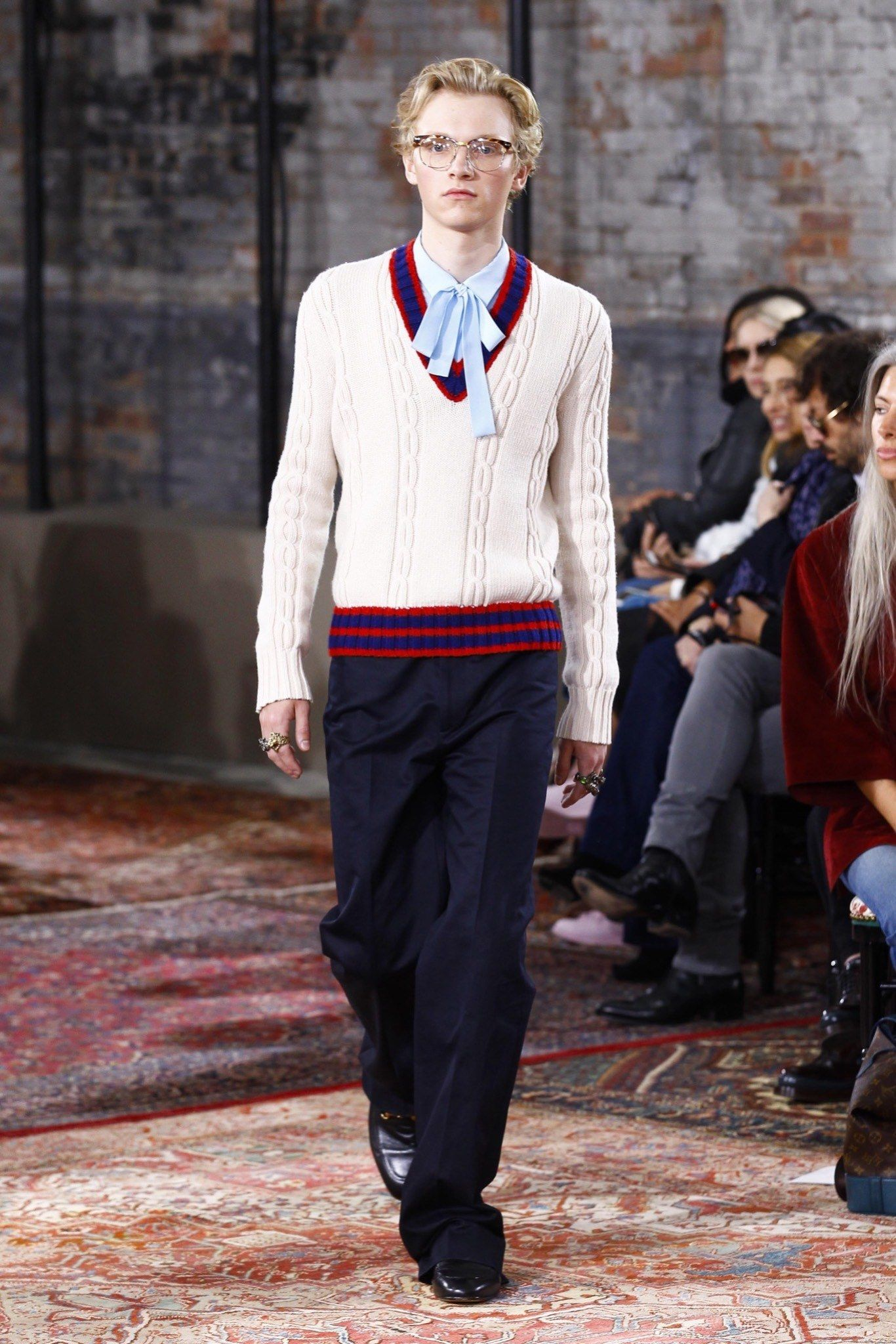 Gucci Resort 2016 Collection Photos | MENSWEAR | FASHION | GQ | ANDROGYN | SS16 | SHIRT | 70's | RETRO |