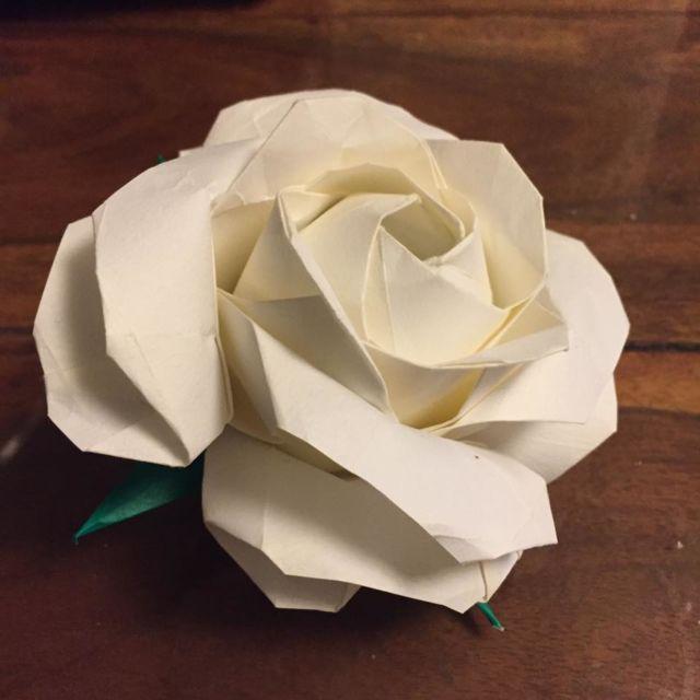 花粹����_[mixi]折り紙で作る薔薇 ♪ローズガーデン♪その3 折り紙