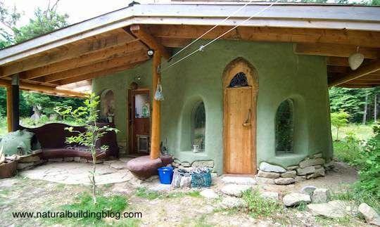 Arquitectura de tierra barro y adobe casas construidas for Construcciones de casas modernas