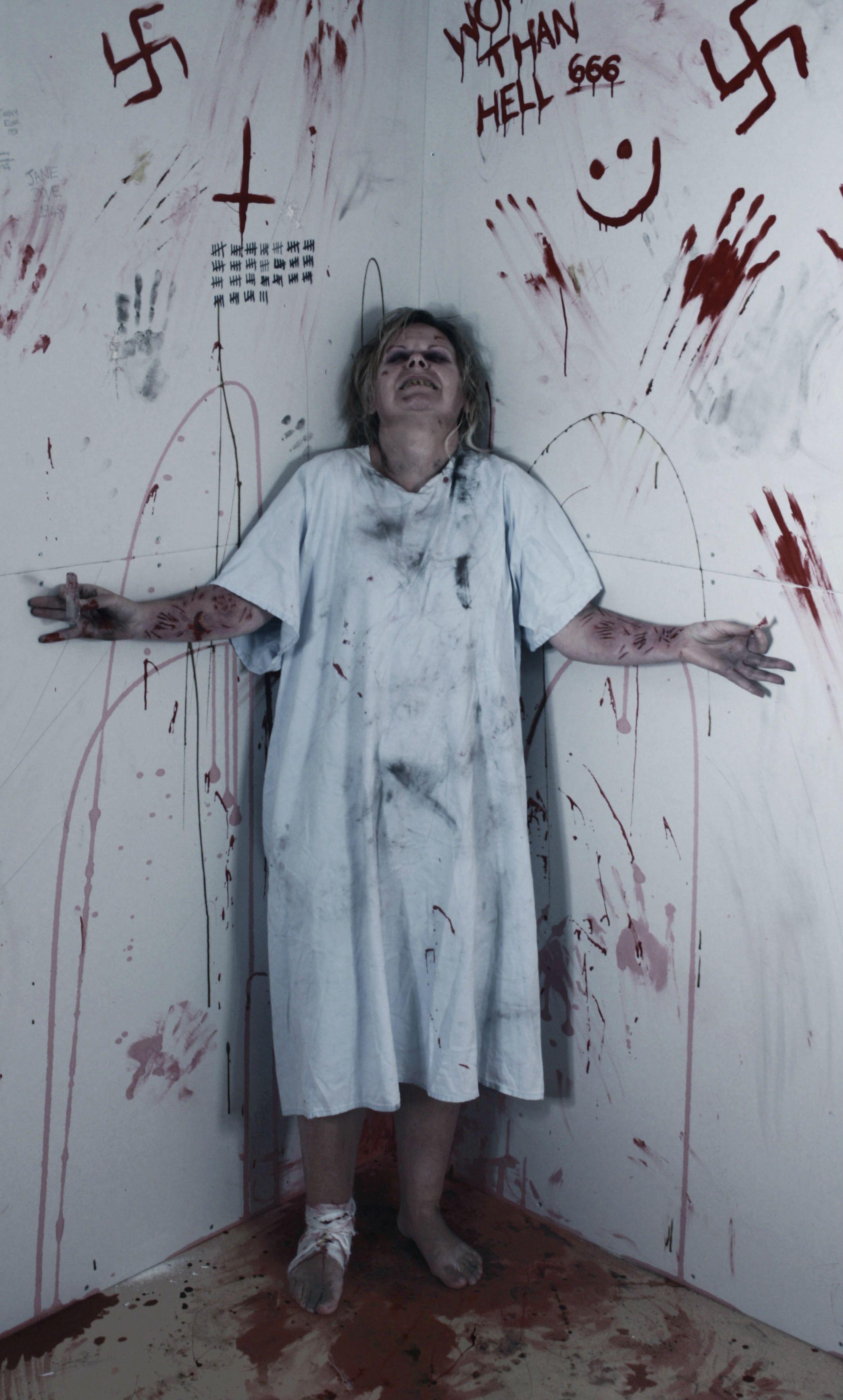 Forgive Me' graffiti on wall in Tuscany asylum   Halloween ...