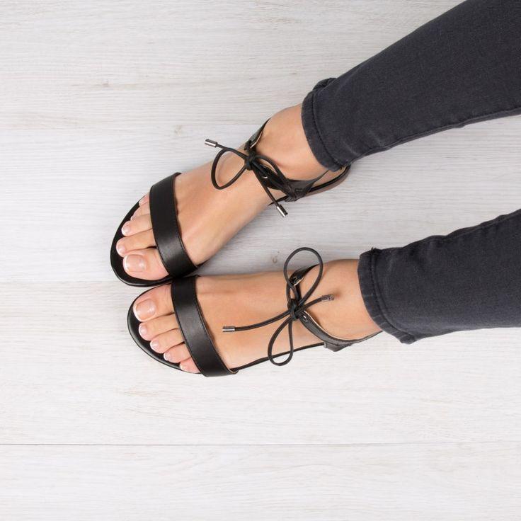 Chaussures Bobbies LA CONQUISE Sandales Noir Cuir Tressé