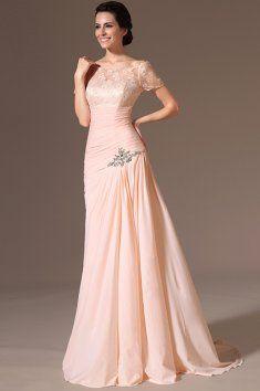 Meruňkové plesové šaty s vlečkou jemné plesové šaty s krajkovým živůtkem a  rukávky střih ve tvaru 594abbf879