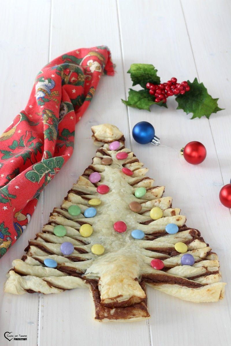 Albero Di Natale Con Dolci.Albero Di Natale Con La Pasta Sfoglia E Cioccolato Ricette Ricette Di Natale Dolci Di Natale