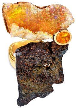 Thierry Vendôme, Bague Gaïa. Rouille, or jaune, opale et tourmaline.