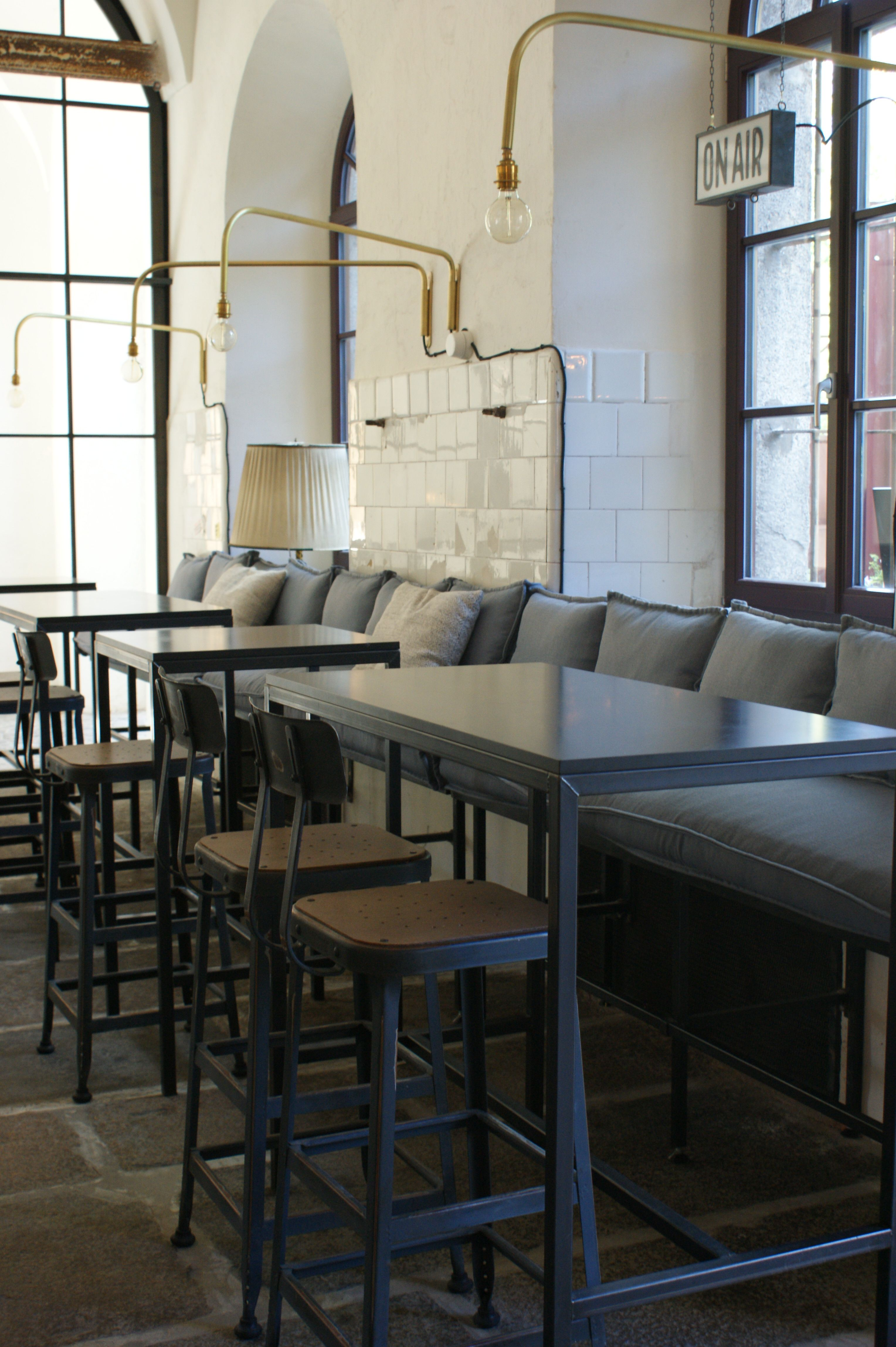 Pin von Claudia Unterhauser auf Interior Design Bar Restaurant