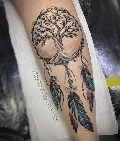 Tatuajes Arbol De La Vida Tatuaje Arbol De La Vida Tatuaje De Atrapasuenos En El Brazo Tatuaje Del Arbol De La Vida