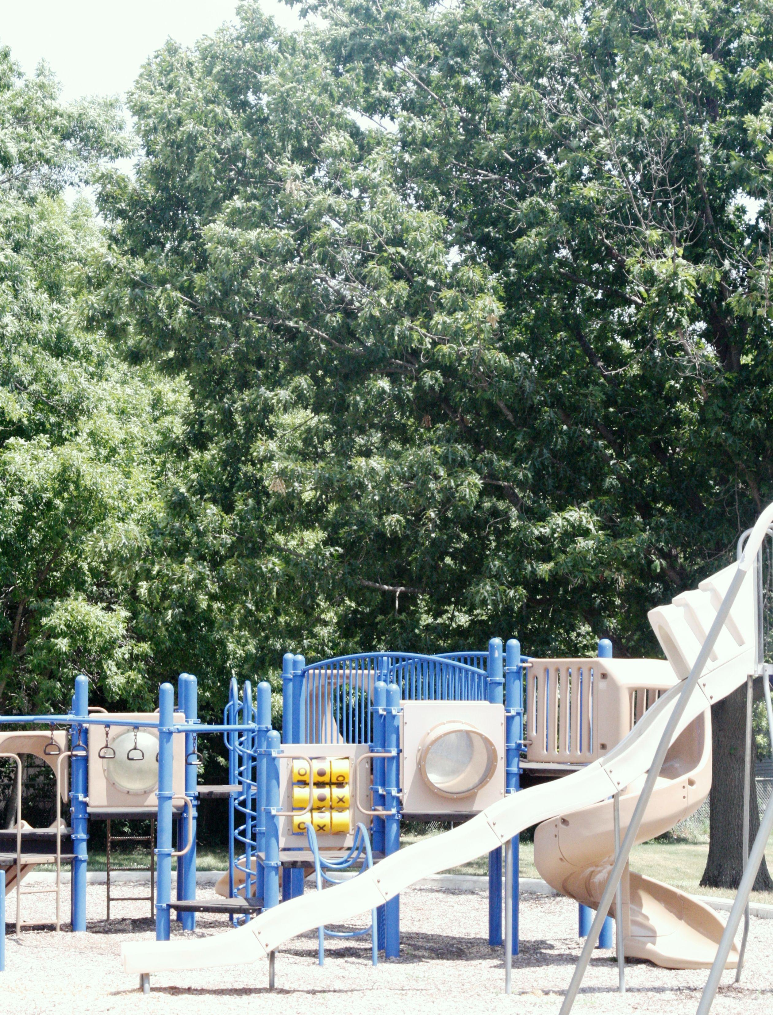 Woodlawn Park Has A Community Garden Playground Equipment Tennis Court Basketball Hoop Picnic Tables And An Open Tennis Court Shade Canopy Basketball Park