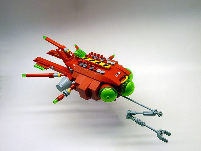 A craft suited for investigating space debris fields.  Names a nod to the Simpsons three-eyed fish it slightly resembles.  Not a starfighter - how did that happen?