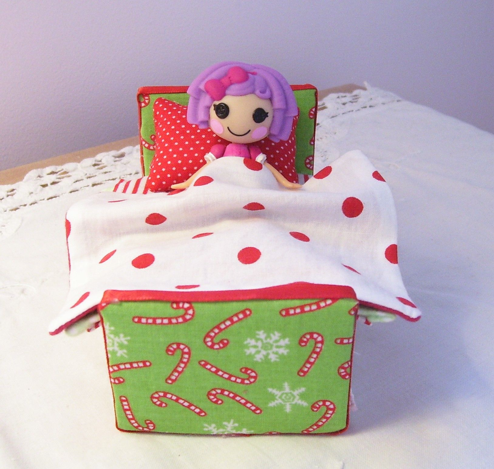Christmas lala bed