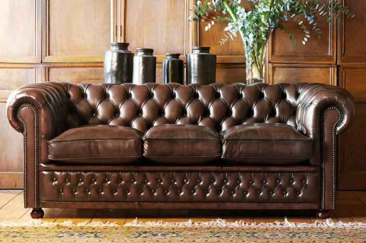 Chesterfield Sofa History Design And Choices Mebel Kozhanye Divany I Dizajn Mebeli