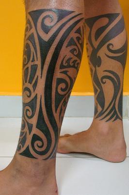 Parfaits Tatouages Style Maori Sur Pieds Homme Pacific Island