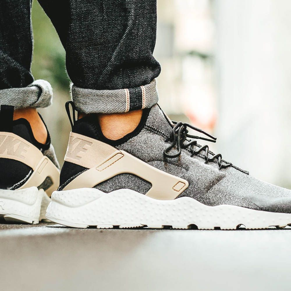 nike ultra huaraches women