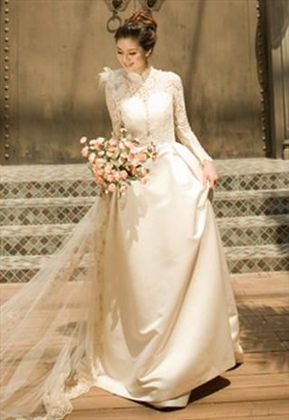 1000  images about Vintage Wedding Dresses on Pinterest - French ...