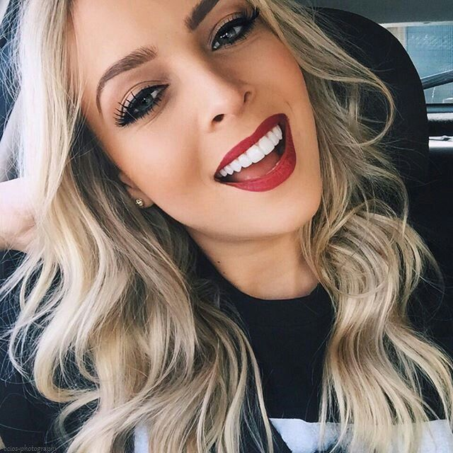 #makeup #maquiagem #redlips #blondhair