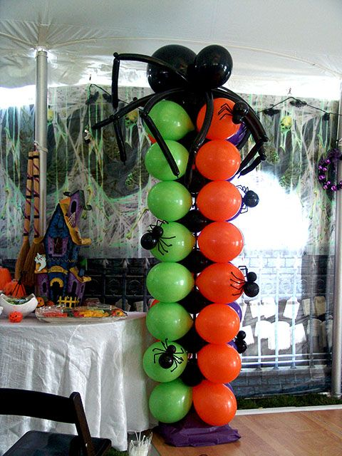 Spooky spider balloon column great halloween party for Balloon column decoration