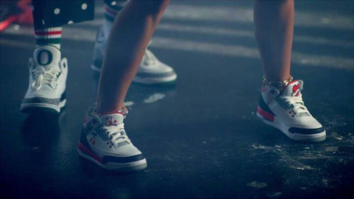 Mike WiLL Made It-23 ft. Miley Cyrus, Juicy J & Wiz Khalifa