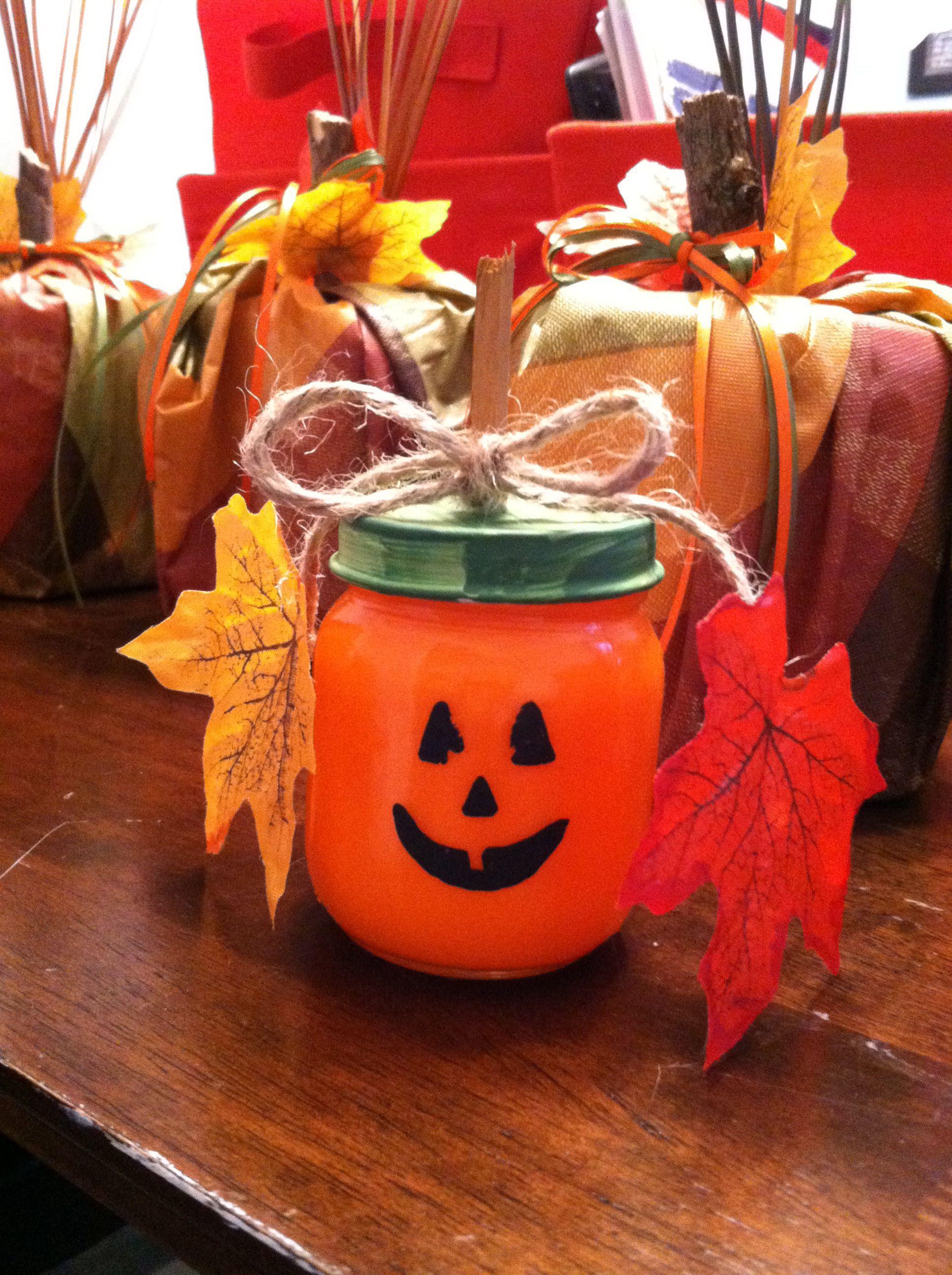 Baby Food Jar Pumpkins Baby Food Jar Crafts Baby Food Jars Diy Jar Crafts