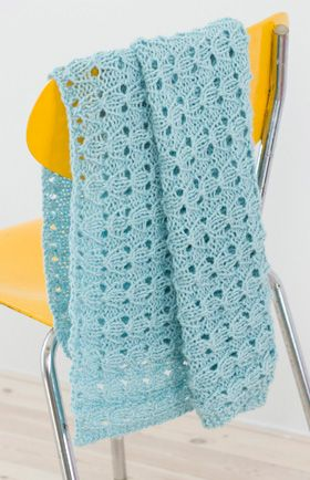 62b35a8750f Strikkeopskrift, Babytæppe med hulmønster, strikket babytæppe   Knit ...