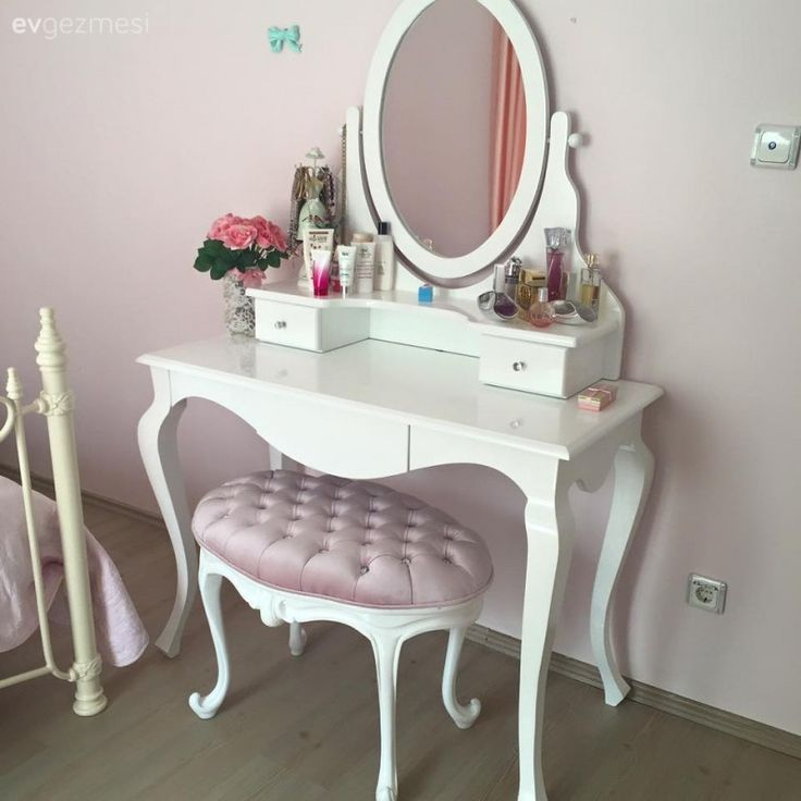 The old coffee tables that Yeşim lady evaluates       Bedroom paint ideas   Bedroompaintideas   bedroom coffee evaluates ideas paint tables is part of Living room decor apartment -