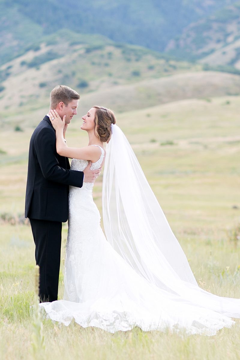 Timeless colorado manor house wedding by melissa sue photography