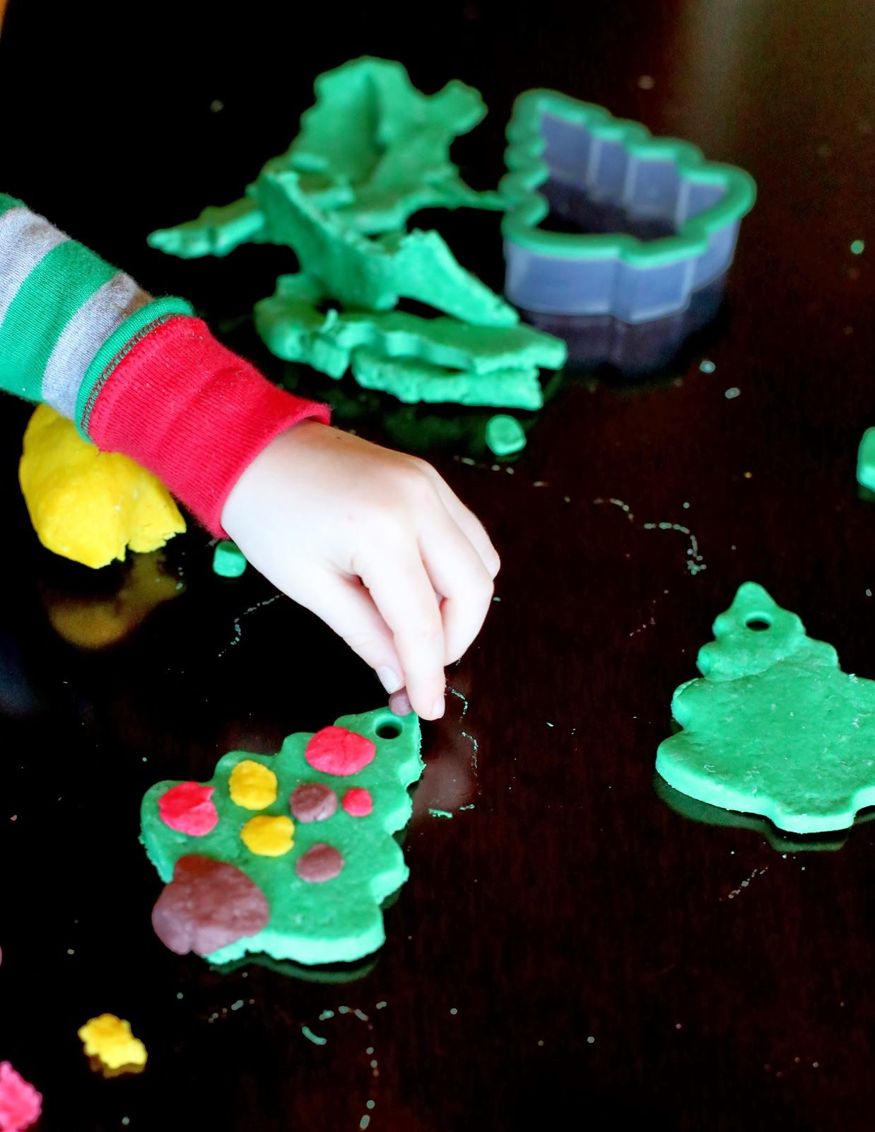 DIY Bread Clay Recipe for No Bake Ornaments | Holiday ...
