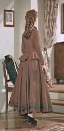 fa2fa44259fa cap017.jpg (207×425) Romy Schneider, Emperador, Costumes, Princess