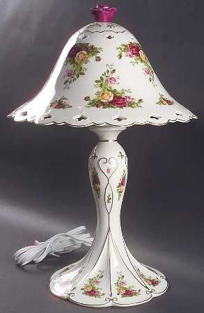 Apricot Daisy and Country Roses Table Lamp